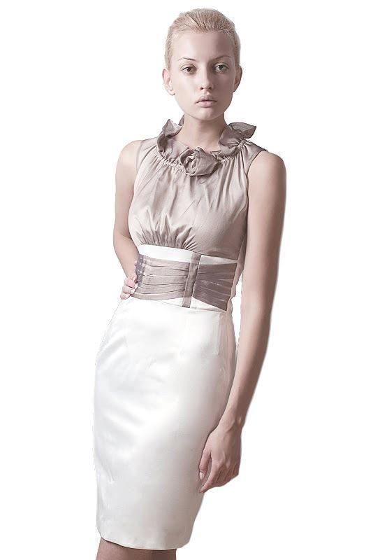 Sukienka Nicole w kolorze ecru
