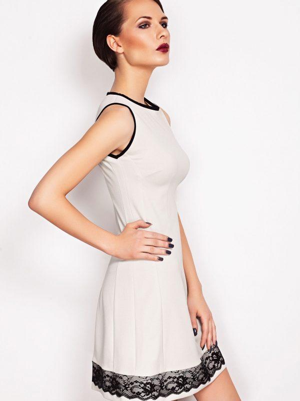 Sukienka SIMONE SOMMER w kolorze ecru